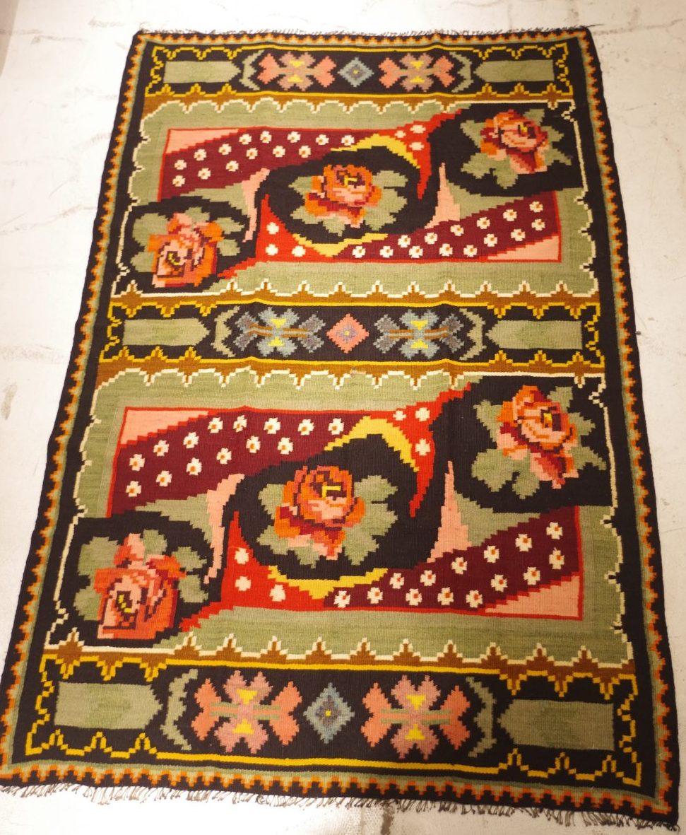 """伝統の織物""""キリム""""を使った、素敵な暮らし"""