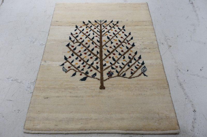 どっしりとした生命の木
