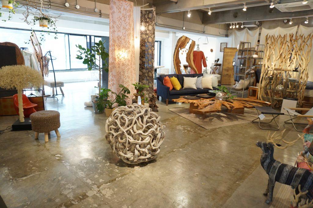 ボーデコール横浜店の家具・雑貨コーナー