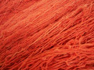 赤い染色糸