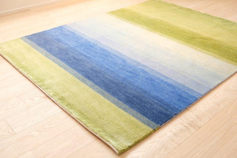 緑と青のハグみじゅうたん