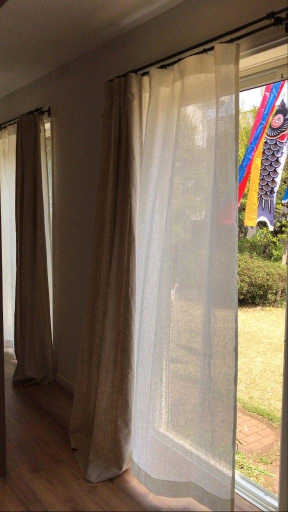 柔らかなリネンのカーテン