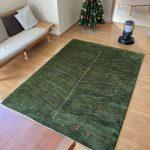 中間色の床に合うじゅうたん