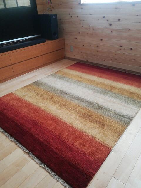 明るい床におすすめのハグみじゅうたん